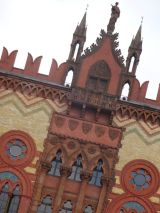 Rare architectural colour in Glasgow